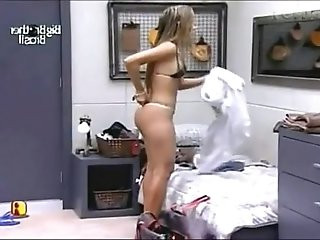Adriana Ajeitando o BBB Big Brother Brasil YouTube
