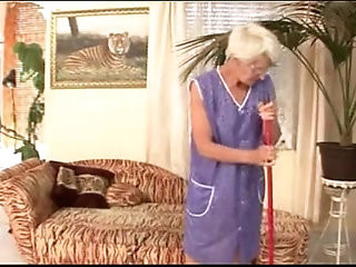 Granny fucked by young master