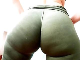 Huge Hypnotic Bubble Butt Tiny Waist and Fat Cameltoe Latina