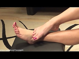 Mommy barefoot foot fetish video