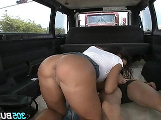 Pornstar Lisa Ann Rocks The 25